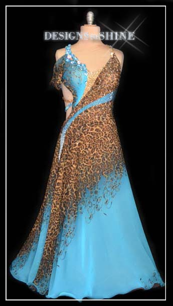 ballroom-gowns-Cheetah-in-the-water-B16381